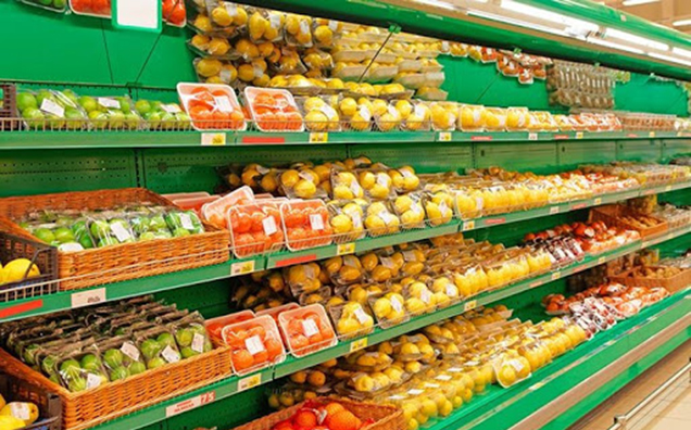 Is it safe to keep food fresh with PE Cling film?